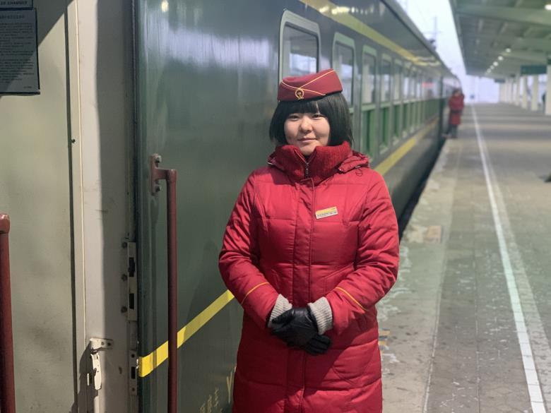 """赵倩:草原列车上的""""女汉子"""""""