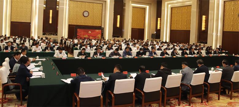 黄荣率全国工商联第四调研组赴内蒙古开展重点课题调研