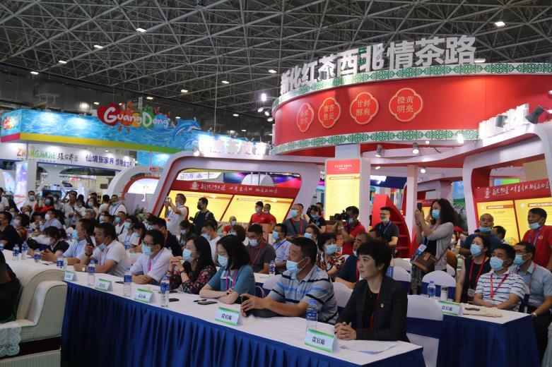 内蒙古国际旅博会启幕64个城市28个政府展团青城展风采